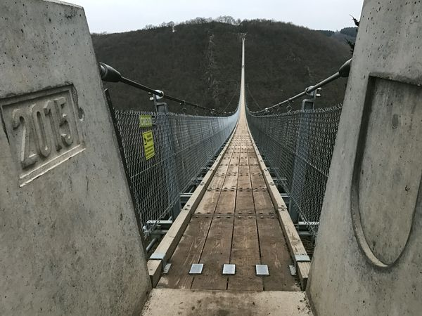 Was ist eine Hängeseilbrücke, Geierlay Mörsdorf Hunsrück, Fundament Pylonen