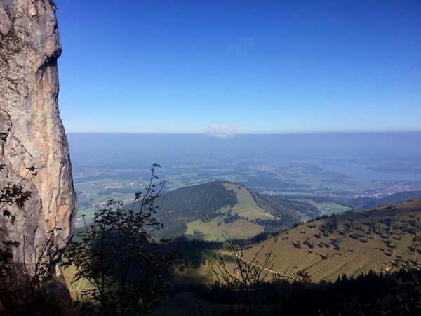 Blick vom Panoramaweg auf den Chiemgau, Wandern an der Kampenwand