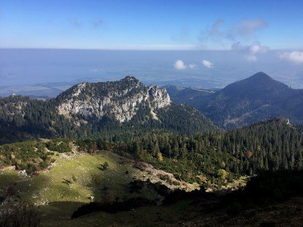 Wandern an der Kampenwand, Ausblick vom Pfad zum Ostgrat
