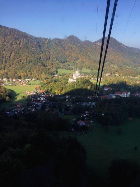Kampenwandbahn mit Aschau und Schloss Hohenaschau